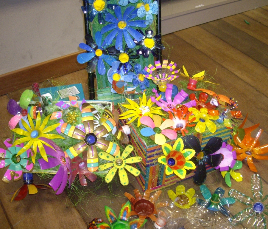 How To Make Flower Basket With Plastic Bottle : Largest display of flowers made from plastic bottles