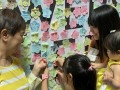 largest collage made of flower-shaped notes (3)
