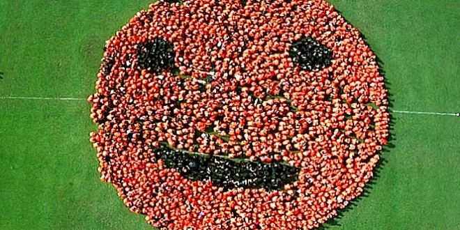 Largest Human Formation Of The Smiley Logo