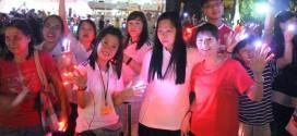 Largest Gathering Of People Wearing Fingerlights