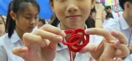 Most Number Of People Making Knotted Rings Together