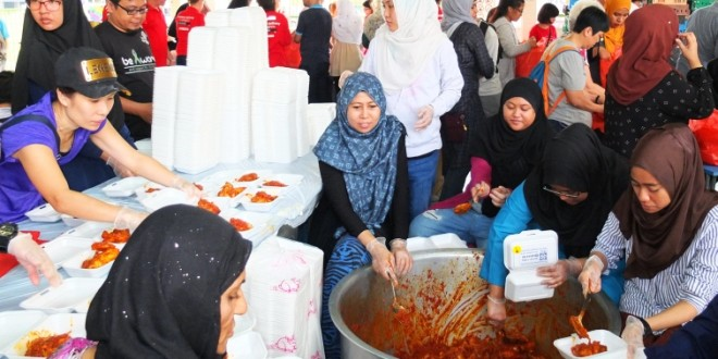 Largest Distribution Of Nasi Minyak Packages In One Day