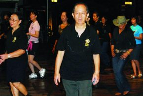 Longest Marathon Line Dancer