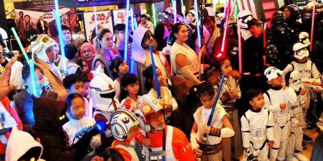 Largest Gathering Of People Dressed As Star Wars Characters