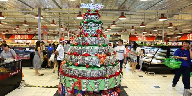 Largest Christmas Tree Decorated With Brownies
