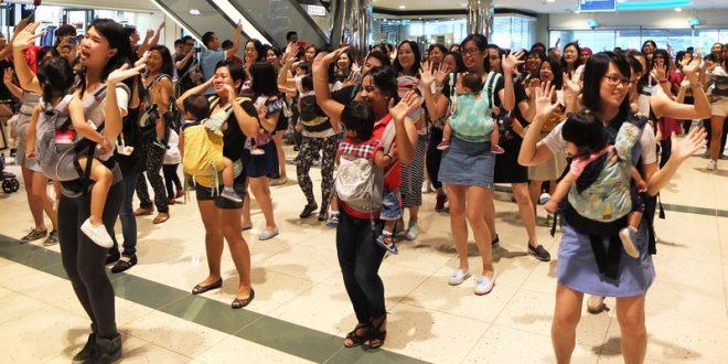 Largest Mass Babywearing Dance