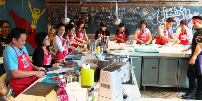 Most Number Of People Making Pandan Chiffon Cake Together
