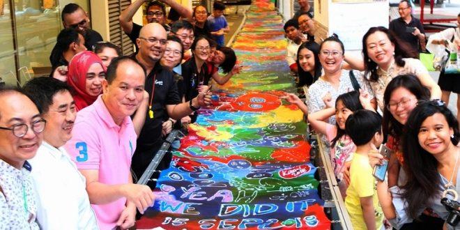 Longest Batik By A Group