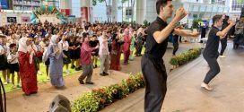 Largest Mass Inang-Ronggeng Dance