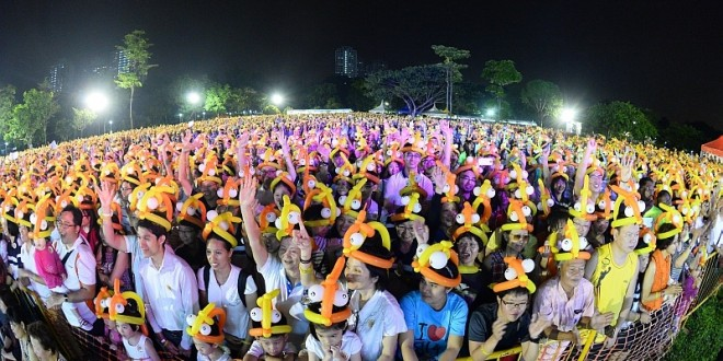 Most Number Of People Wearing Balloon Hats – World Record