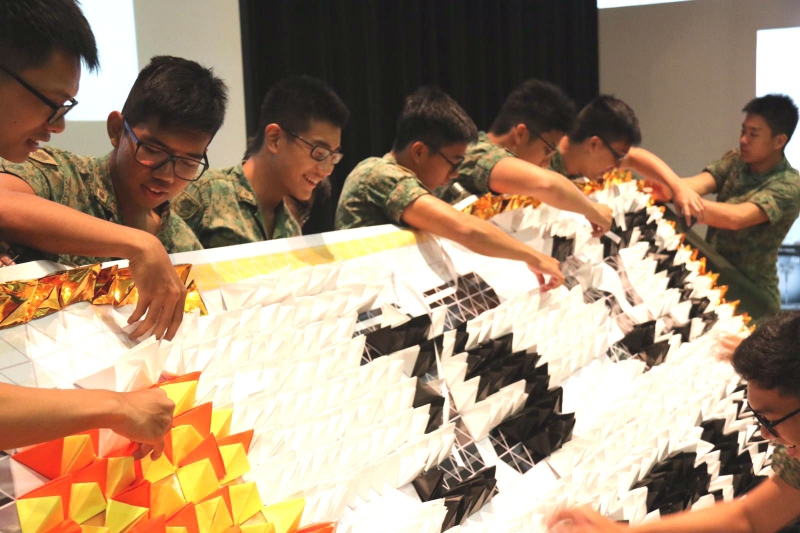 Largest-Display-Of-Origami-Pyramids