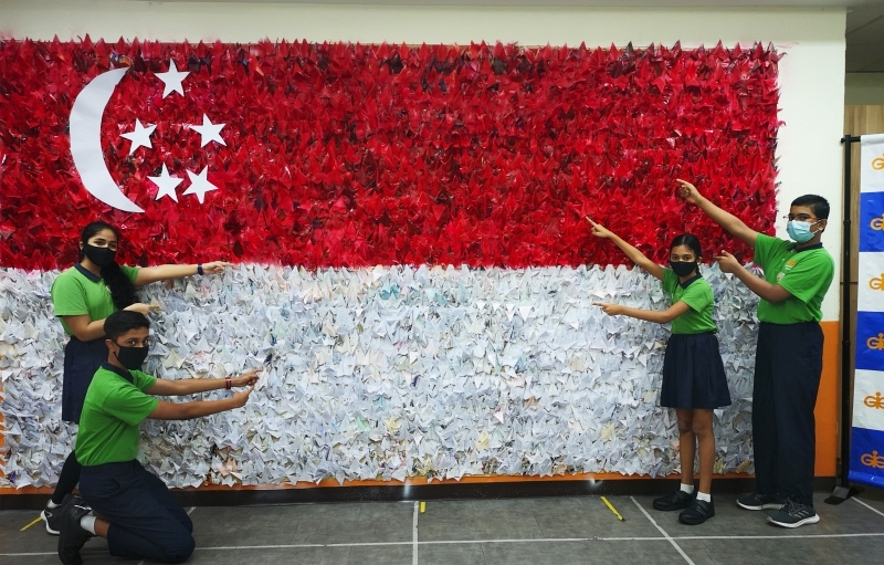 210824-flag-papercranes-07