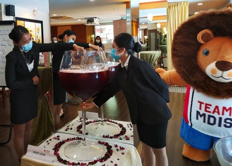 201017-wineglass15