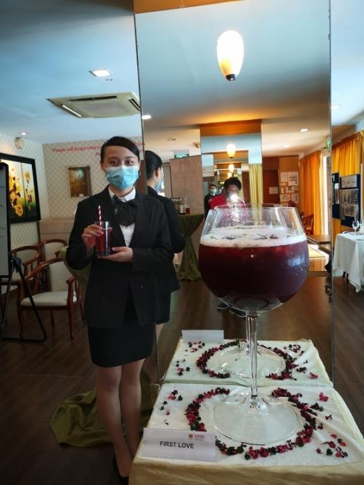 201017-wineglass31