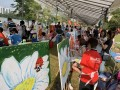 longest-line-of-painters-with-their-paintings-1