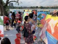 longest-line-of-painters-with-their-paintings-12