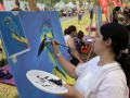 longest-line-of-painters-with-their-paintings-3