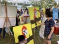 longest-line-of-painters-with-their-paintings-6