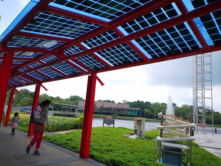 201031-solarwalkway5