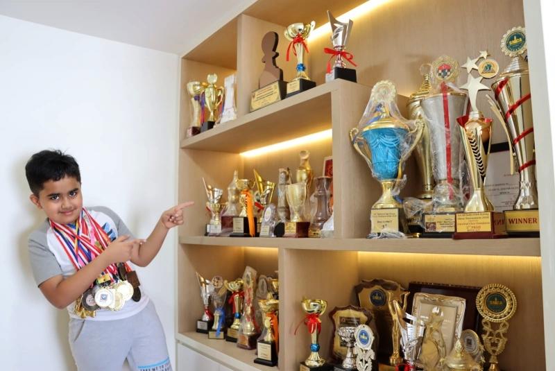 201204-nivaan-chess11