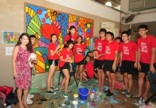 Most Number Of People Painting Murals At One Location